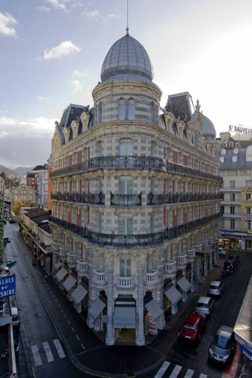 Grand Hotel Moderne, Lourdes, France, Superieure hostels in Lourdes